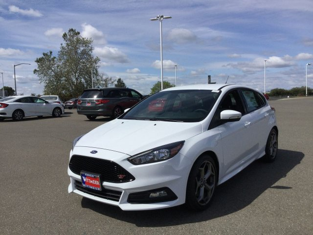 New 2018 Ford Focus ST