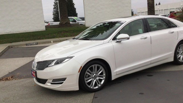 Pre owned 2016 lincoln mkz 4dr sdn fwd 4dr car in chico for Dr of motors chico
